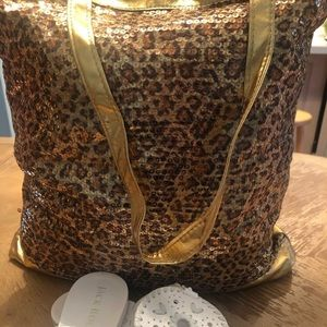 Bags - Gorgeous, leopard sequined tote bag❤️